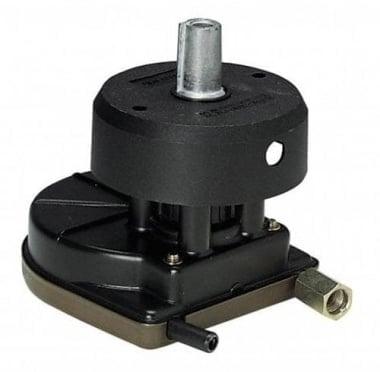 Ultraflex T67 BLK Кормилна кутия
