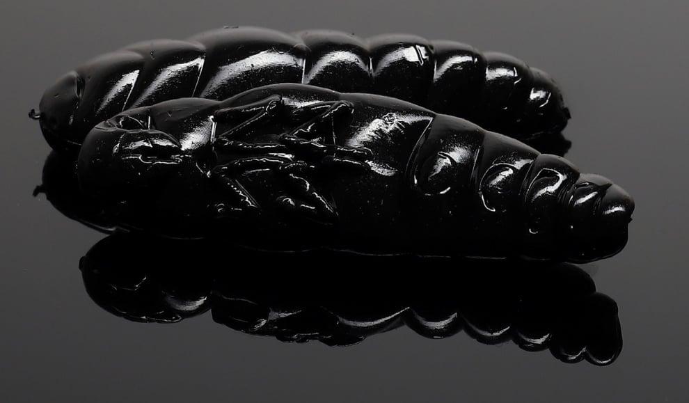 Libra Lures LARGO 30 Силиконова примамка ларва 040 Black (вкус Рак)